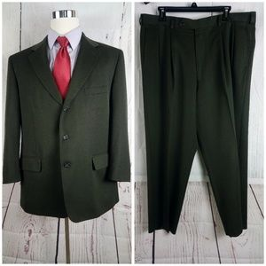 Essentials Thomas More 44S Dark Green 2pc Suit